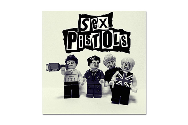20-Famous-Bands-Recreated-in-LEGO-9
