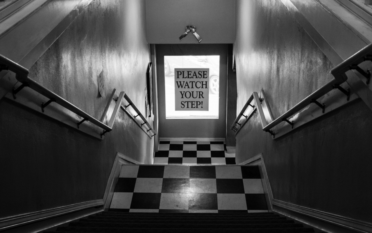 stairs-vintage-retro-black-and-white