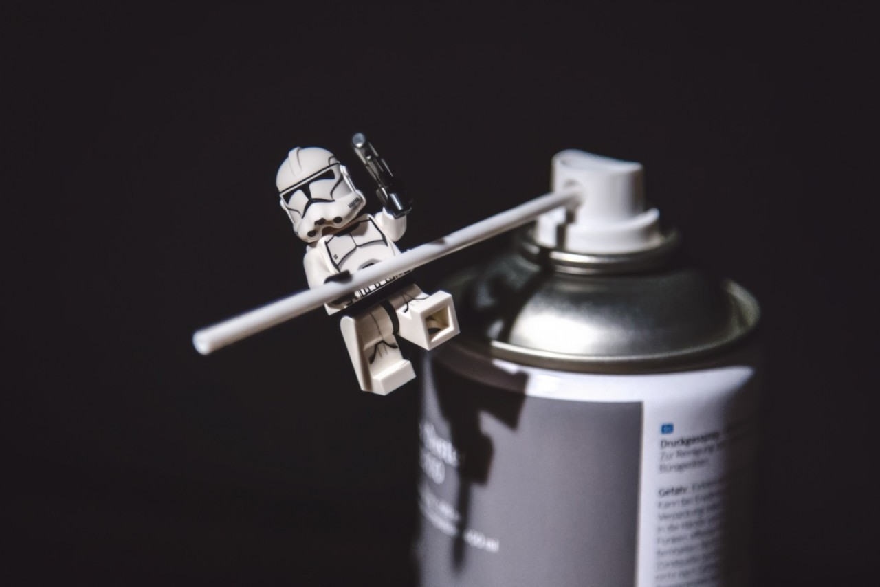 star-wars-storm-trooper-lego-toy-play-spray